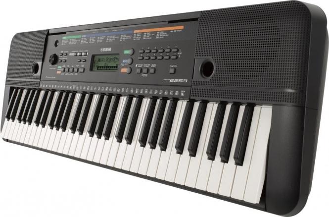 Yamaha PSR-E 253 Keyboard